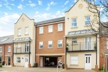 2 bedroom Flat in Erickson Gardens, Bromley