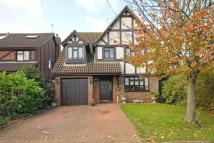 Detached house in Beechwood Rise...
