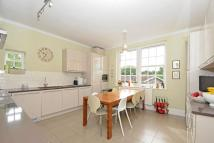 4 bedroom Flat for sale in Manor Park, Chislehurst...