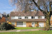 4 bed Detached home in Sylvester Avenue...