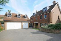 5 bedroom Detached home in Fidgeon Close, Bickley