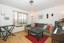 Flat in Oliver Close, Chiswick