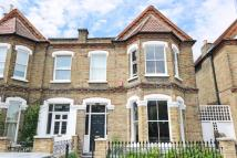 5 bed semi detached home in Heathfield Gardens...