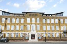 Flat for sale in Ferndale Road, Clapham