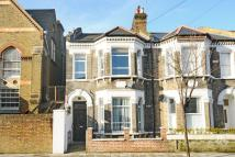 2 bedroom Flat in Corrance Road, Brixton
