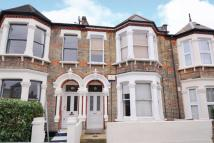 2 bedroom Flat in Fairmount Road, Brixton