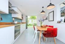 3 bedroom Terraced house in Barnwell Road, Brixton