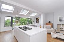 3 bedroom Terraced property for sale in Baytree Road, Brixton
