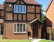 8 Plovers Way semi detached house to rent