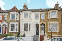 3 bed Terraced property in Effingham Road, Harringay