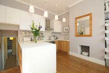 2 bedroom Flat in Oakfield Road...