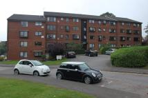 2 bedroom Flat to rent in Whitehaven Close, Bromley