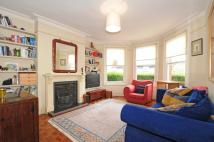 2 bedroom Flat in Nightingale Lane Crouch...