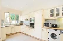4 bedroom house in Fitzwarren Gardens...