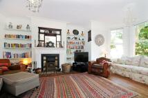 Apartment in Stapleton Hall Road...