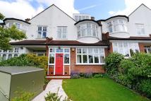 5 bed Terraced house in Court Lane...