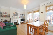 2 bedroom Flat in Guernsey Grove...