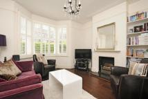 Flat for sale in Waynflete Street...