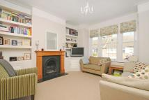3 bedroom Maisonette in Waldron Road, Earlsfield