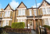 2 bedroom Flat in Garthorne Road...