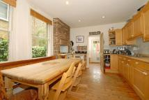 4 bedroom Terraced property for sale in Queenswood Road...