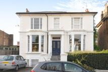 2 bedroom Flat in Stowe Road...