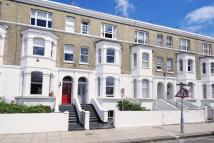 3 bedroom Flat in Westcroft Square...