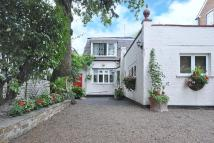 4 bed Detached home for sale in Castelnau, Barnes