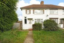 2 bed semi detached house in Montcalm Close, Hayes...