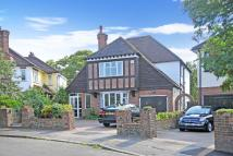 4 bed Detached house in Sandiland Crescent, Hayes