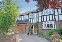 5 bedroom semi detached property in Beverley Road, Bromley
