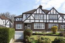 4 bed semi detached house in Hayes Garden, Hayes