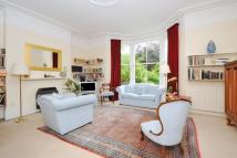 Flat in Hartham Road, Holloway