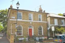 2 bed Maisonette in Ripplevale Grove...