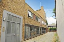 Flat for sale in Balls Pond Place...