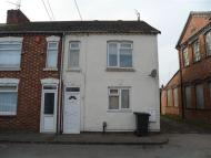 2 bed Flat to rent in Thrift Street, Irchester...