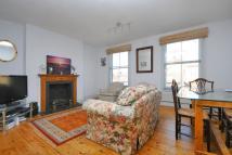 3 bedroom Flat in Lansdowne Way...