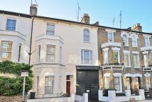 8 bed Terraced house in Meadow Road, Oval