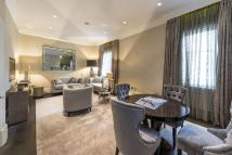 2 bed Flat for sale in Berkeley Street, Mayfair