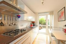 Flat for sale in Coopers Lane...