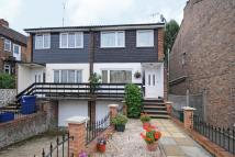 3 bed semi detached home in Alma Road, Muswell Hill