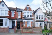 3 bedroom Flat in Alexandra Park Road...