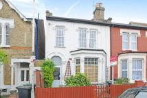 2 bed Flat in Sidney Road, Wood Green