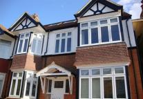 2 bed Flat to rent in Loveday Road, London