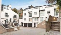 3 bedroom house to rent in Peony Court, Chelsea