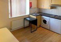 Studio flat to rent in Abbey Road, Park Royal