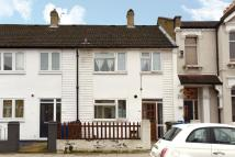 3 bedroom Terraced property in Ivydale Road, Nunhead