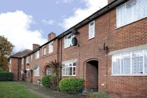 3 bed Terraced house in Dover House Road, Putney...