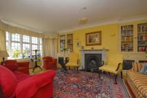 4 bedroom Flat in Portsmouth Road, Putney