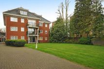 2 bedroom Flat in Chase Side, Southgate
